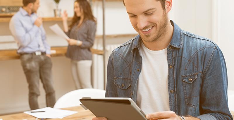¿Por qué los turistas prefieren hacer sus reservas en las agencias de viaje online?