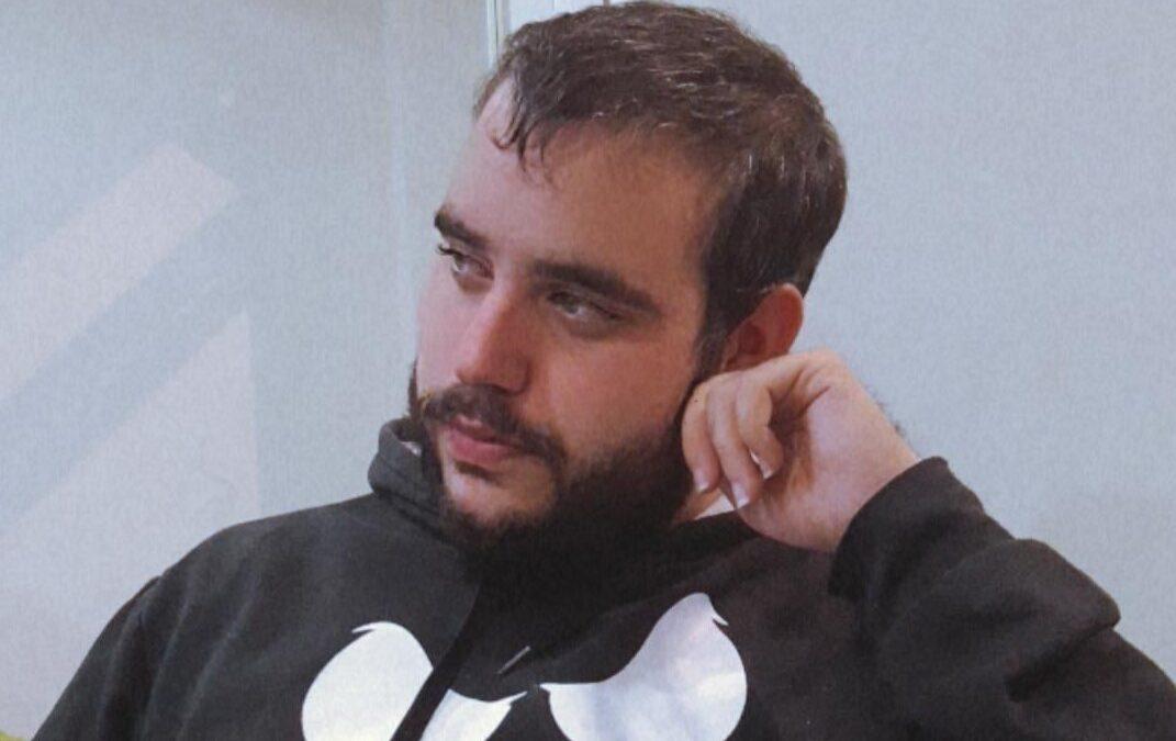 Carlos Moles, atención al cliente en Doblemente