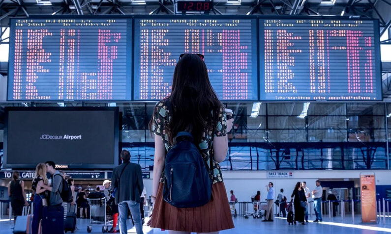 agencia de viajes minorista s3 - Doblemente